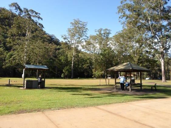 crosslands reserve family picnic berowra creek tables ...
