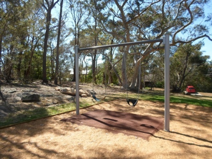 leonora close park, swings, hornsby heights, playground, kids, northern sydney