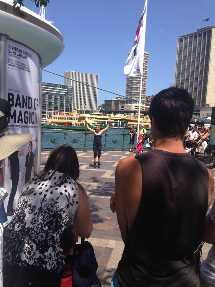 street performers circular quay, street performers the rocks