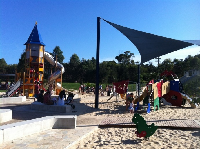 Warriewood Valley Playground, playground, park, families, kids