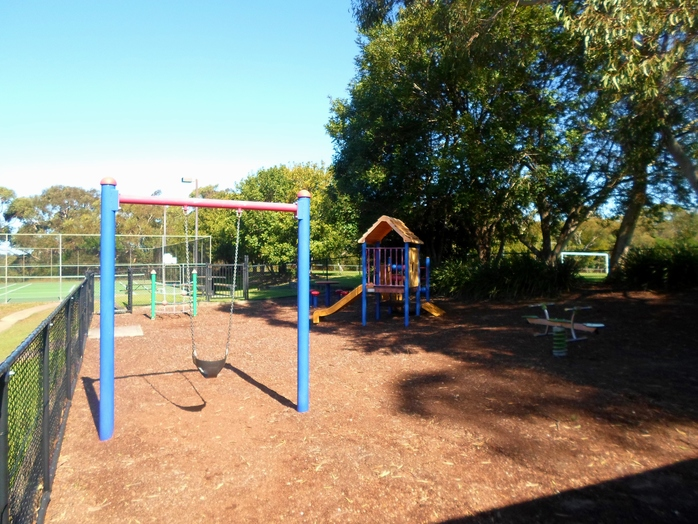 warrimoo oval, st ives chase oval, st ives playground, st ives play equipment