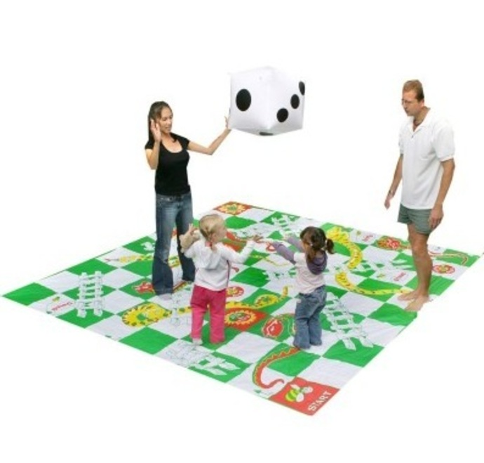 Yardgames, Backyard fun, outdoor activities